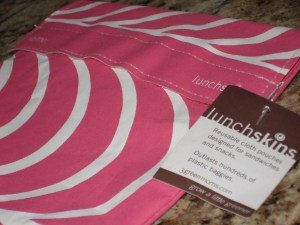 lunchskins pink fruit series slices bag